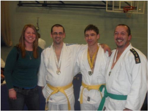 Picture of Coach Elaine with Robin, Chris and Sean